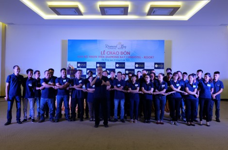 Lễ đón nhân viên mới tại Diamond Bay Condotel - Resort